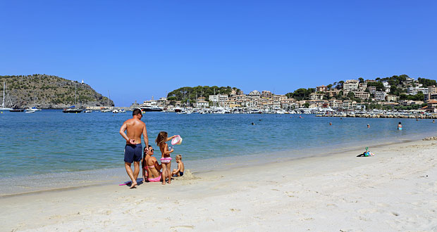 Puerto de Soller strand