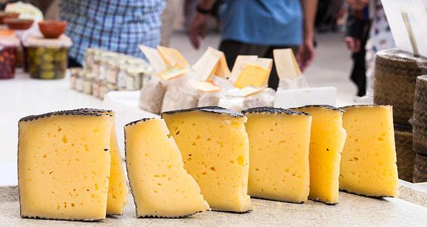 Manchego ost på markedet i Sineu